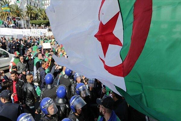 اجرای تحقیقات از نخست وزیر سابق و وزیر دارایی الجزایر