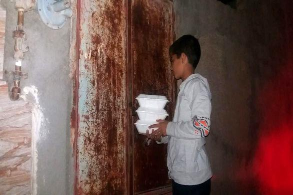 خیریه حامی دانشجویان دانشگاه تهران بین نیازمندان غذا توزیع کرد